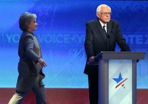 clinton bathrooms hillary clinton dissappears during debate to take a poop community the newstalkers