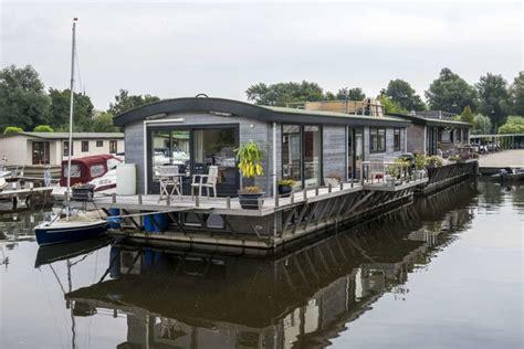 woonboot makelaar amsterdam watervilla te koop kortenhoefsedijk 205 183 woonboot te koop