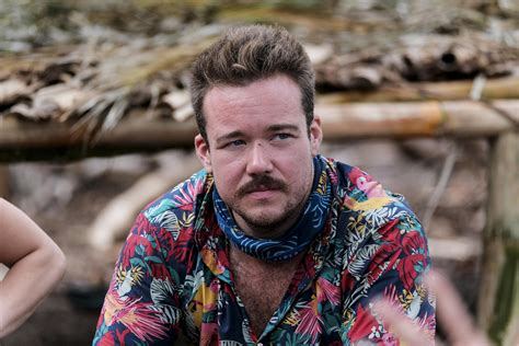 A Survivor survivor s zeke smith outed as transgender by jeff varner