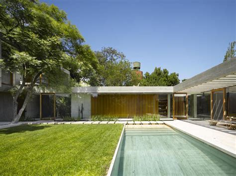 modernist house timeless modernist house in buenos aires idesignarch