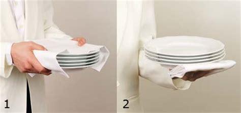 come servire a tavola cameriere b4 2 2 come si usa salabar it