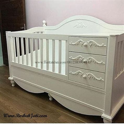 Tempat Tidur Bayi Besi box bayi cat putih duco laci ukir berkah jati furniture