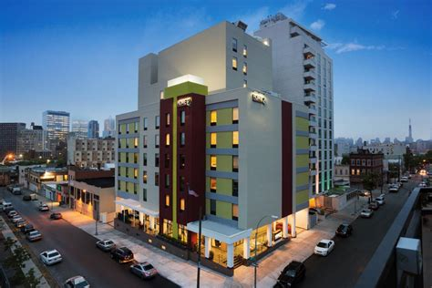 comfort inn lic home2 suites by hilton long island city manhattan view