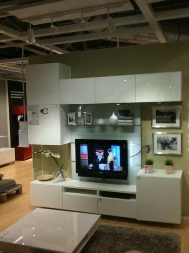 besta tv wand ikea besta tv opbergcombinatie monteren en ophangen werkspot