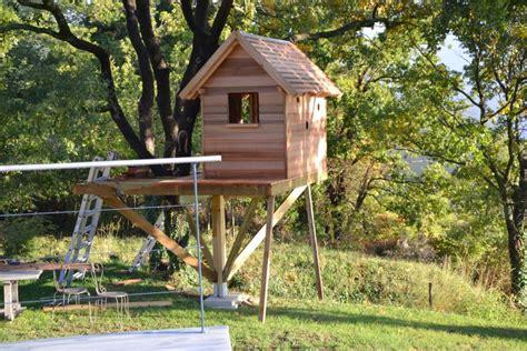 Cabane Arbre Enfant artisan constructeur de cabane sur mesure dans les arbres