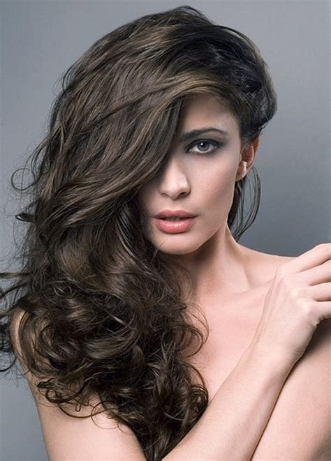 hairstyles to the side long hair side swept long hair the latest trends in women s