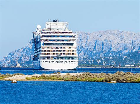arrivi navi porto di genova traghetti porto di civitavecchia arrivi e partenze 2016