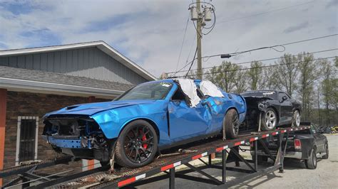 challenger crash dodge challenger hellcat obliterated after just 18