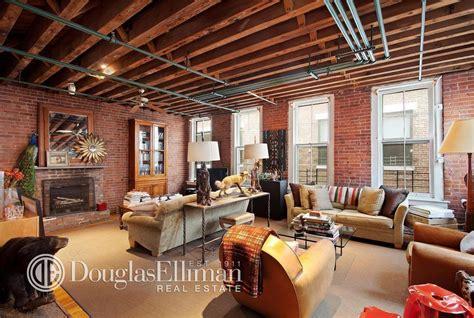 living room soho soho loft with taxidermy tendencies sells for 4 7m 6sqft