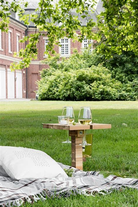 Ikea Picknicktisch by Picknicktisch Weinhalter Schneidebrett Ikea Hack