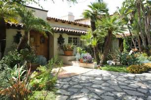 spanish garden on pinterest courtyards patio and spanish style