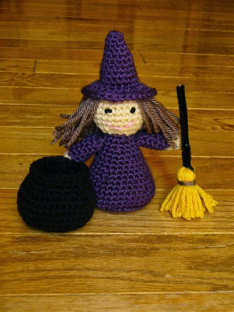 Amigurumi Witch Pattern | 10 halloween decoration free crochet patterns page 2 of 2