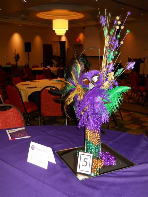 Mardi Gras Decorations by Celebrate The Day Mardi Gras Themed Balloon Decorations