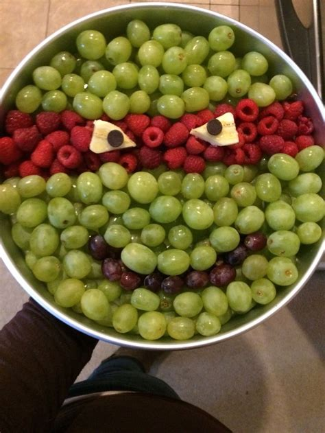 Green Grapes To The Rescue by Best 25 Turtle Cakes Ideas On Tmnt Cake