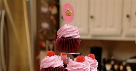 klondike do not eat those cupcakes books k bakes pinkalicious cupcakes