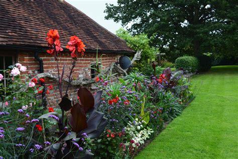 Summer Bulbs Bulbs That Bloom In Summer Summer Bulb Garden Ideas