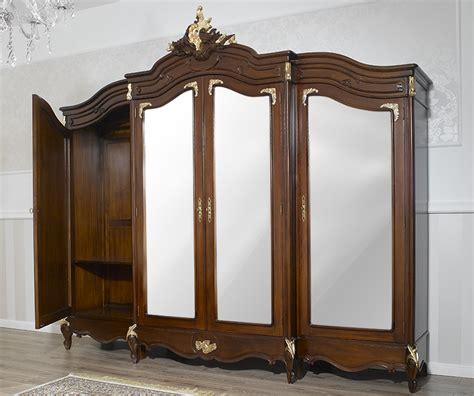 armadio stile barocco armadio stile barocco inglese noce particolari foglia oro