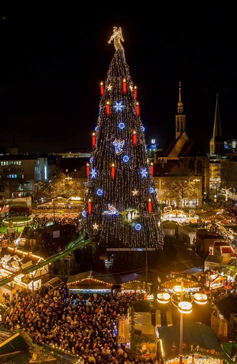 k nstlicher weihnachtsbaum hellweg alle jahre wieder gr 246 223 ter weihnachtsbaum der welt elektrifiziert kocher elektrotechnik dortmund