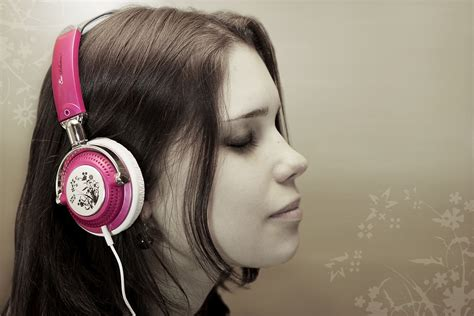 wallpaper girl headphones wallpaper collection for your computer and mobile phones