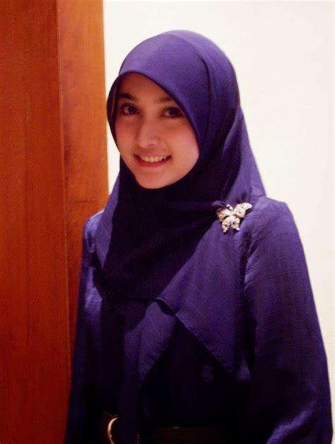 blogger muslimah indonesia foto cewek cantik gambar wanita berjilbab cewek cantik