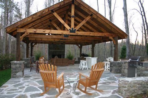 building an outdoor kitchen