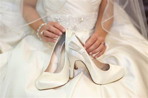 zeer aparte modellen witte bruidsschoenen