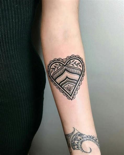 heart tattoo ideas what is the meaning and where to