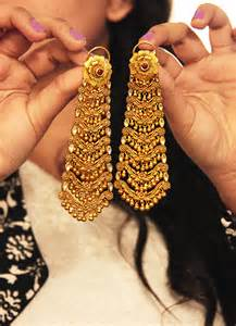 Indian Chandelier Earrings Indian Gold Jewellery On Pinterest Indian Gold Bangles