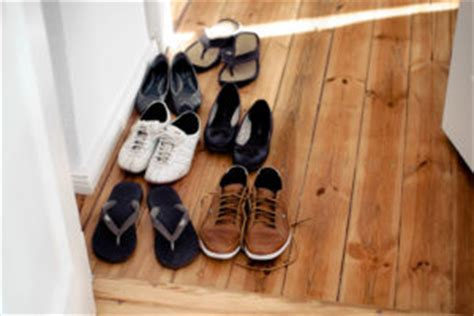 Taking Shoes Off In House Etiquette | traveling to asia avoid these common cultural mistakes