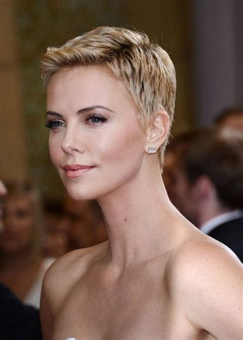 short haircut for women 60 with square jaw thick hair best hairstyles short hair styles and squares on pinterest