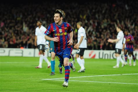 barcelona vs arsenal lionel messi in barcelona v arsenal uefa chions