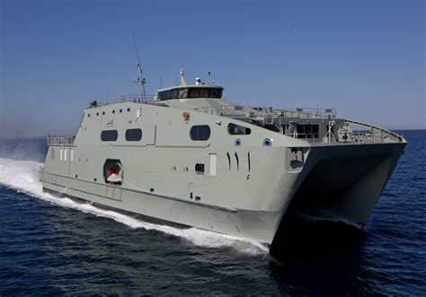 offshore patrol boats australia prime minister malcolm turnbull inspects austal s western