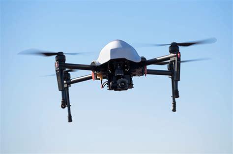 biaya membuat drone akademi ini berusaha untuk meyakinkan bahwa drone punya