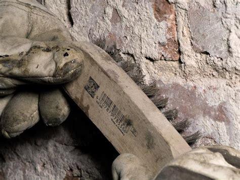 Wann Ist Eine Wand Feucht by So Dichten Sie Eine Feuchte Kellerwand Innen Ab Bauhaus