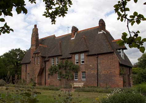 red houses file red house home of william morris jpg wikimedia commons