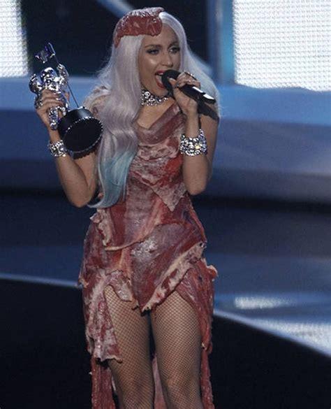 Fakta Unik Baju Gaga teratak kumang kenyalang baju daging gaga fakta menarik yang patut anda tahu tentangnya