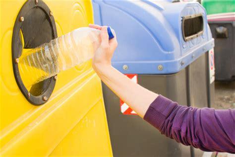 140951465x pourquoi faut il recycler pourquoi faut il recycler ses bouteilles plastiques