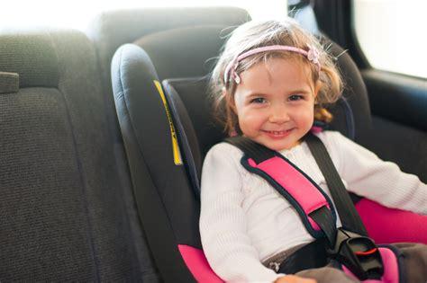 Kindersitz Auto Wann Wechseln by Wissenswertes 252 Ber Autokindersitze Kfz Versicherung