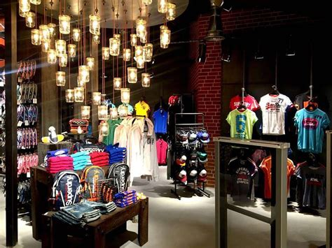 superdry stores outlets restaurants  dlf mall