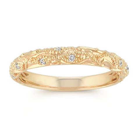 vintage wedding band with pav 233 setting in 14k