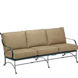 woodard 5n0020 verona sofa with cushions discount