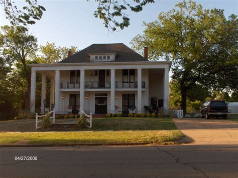 southern colonial house guthrie ok picture of historical southern colonial