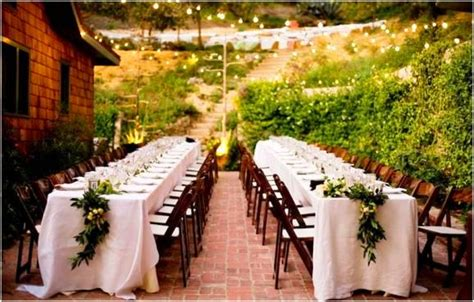 table setting family style questions to ask a wedding caterer the leonardos
