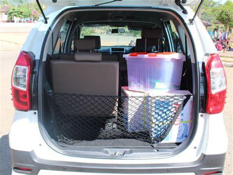 Kursi Belakang Xenia berlimpahnya bagasi daihatsu xenia mobil123 portal