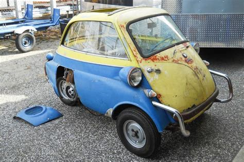 exclusive  bmw isetta