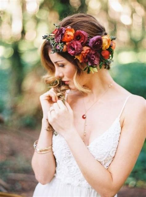 Wedding Hair With Real Flowers by 25 Gorgeous Fall Flower Crown Ideas For Brides