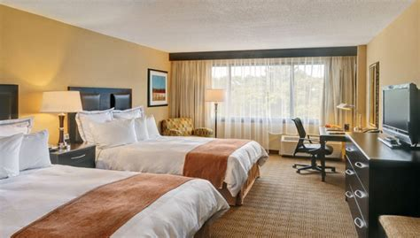 Hotels With Rooms In Nj by Hotels In Freehold Radisson Freehold Home