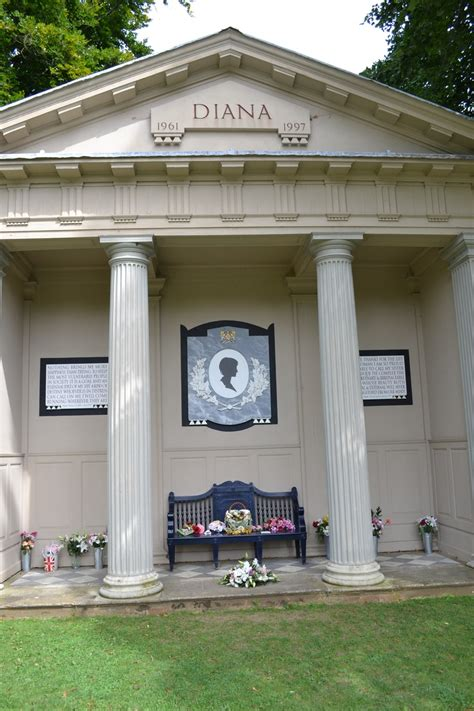 princess diana s grave princess diana s memorial memorial pinterest
