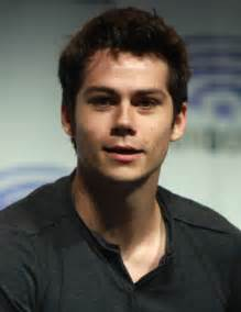 o brien file dylan o brien 2014 cropped jpg wikimedia commons