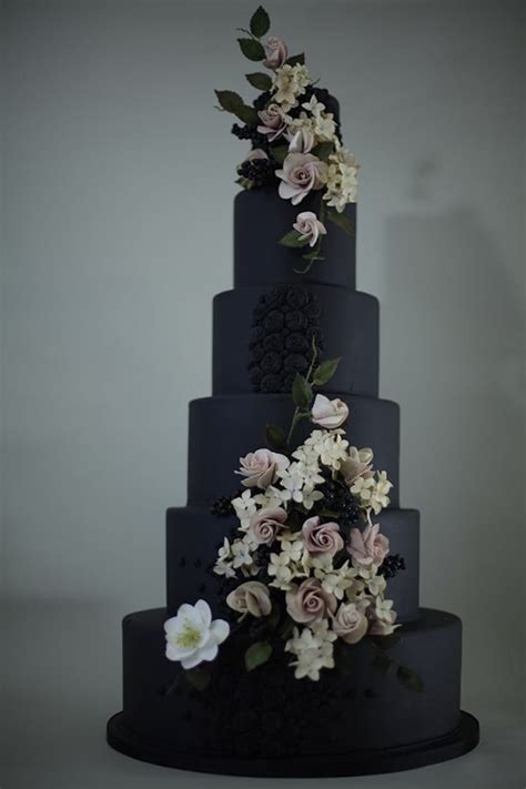 Black Wedding Cakes by 20 Wedding Cakes That Add A Flair To The